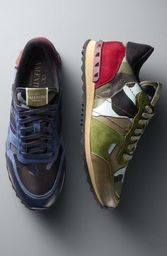 With all that is within me, I want these sneaks. Military Fashion, Mens Fashion, Valentino Camouflage, Valentino Sneakers, Sneaker Games, Thing 1, Shoes World, Mens Trainers, Style Men