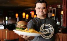 Catarinenses criam Burger de Feijoada - http://superchefs.com.br/catarinenses-criam-burger-de-feijoada/ - #BeansBurger, #BurgerDeFeijoada, #Burgers, #DaviZimmermann, #Feijoada, #HamburguerDeFeijoada, #PepperJack