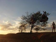 Verbo: saltar  Foto: Sávio Menezes