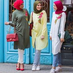 Shirt dress with jeans-Flowy and cute hijab outfits – Just Trendy Girls Arab Fashion, Islamic Fashion, Muslim Fashion, Modest Fashion, Modest Wear, Modest Outfits, Casual Hijab Outfit, Casual Outfits, Hijab Trends