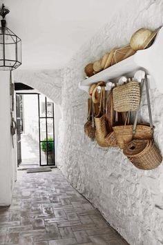 Deco Restaurant, Modern Restaurant, Italian Interior Design, Restaurant Interior Design, Contemporary Interior, Petits Cottages, Italian Cottage, Rustic Italian Decor, Rustic Chic