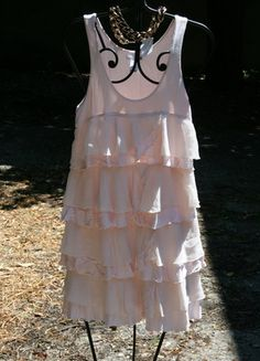 A vendre sur #vintedfrance ! http://www.vinted.fr/mode-femme/robes-mini/6282390-robe-a-volants-rose-beige-hm-ts