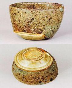 割れた器を合体させた川喜田半泥子作の名碗『ねこなんちゅ』を見た。猫なら何と言うか?という疑問が銘に。こんな風に呼継ぎできるなら、世界中の割れた陶片が宝の山…。