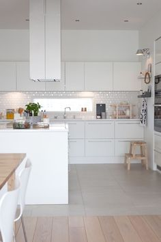 la tazzina blu: Cucine bianche e minimali [top 10]