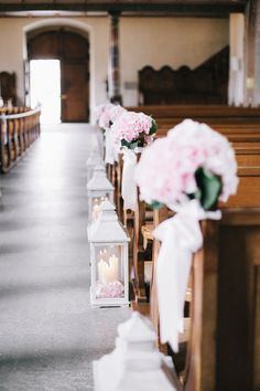 fineart wedding ceremony flowers in pretty shades of pink and white with sweet peas, garden roses and hydrangeas by TML | TABEA MARIA-LISA