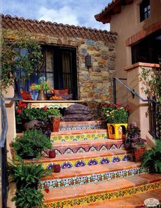 Hacienda Tiled Staircase-great way to add a little funk to plain on boring stairs Spanish Style Homes, Spanish House, Spanish Revival, Spanish Patio, Mexican Style Homes, Hacienda Style Homes, Mexican Style Decor, Hacienda Kitchen, Hacienda Decor