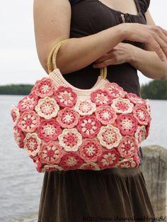 Marvelous Crochet A Shell Stitch Purse Bag Ideas. Wonderful Crochet A Shell Stitch Purse Bag Ideas. Crochet Fabric, Crochet Tote, Crochet Handbags, Crochet Purses, Cute Crochet, Crochet Flowers, Diy Crafts Knitting, Crochet Bag Tutorials, Crochet Shell Stitch