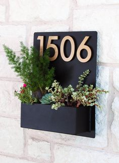 Mid-Century Madness Planter w/ Brass Address Numbers, House Numbers, Address Sign (Livraison gratuite) Address Numbers, Address Plaque, Home Address Signs, House Address, Decoration Entree, Colorful Succulents, Custom Metal, Tropical Decor, Tropical Backyard