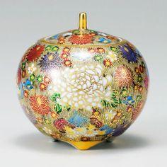 Kutani Porcelain Japanese Incense Burner Japan / Japanese Antiques : More At FOSTERGINGER @ Pinterest ⚫️