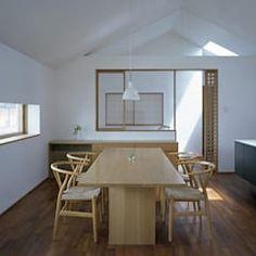吉井の家: 柳瀬真澄建築設計工房 Masumi Yanase Architect Officeが手掛けたダイニングです。