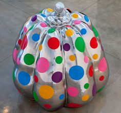 YAYOI KUSAMA NEW SCULPTURES AND RECENT PAINTINGS DECEMBER 7 - 22, 2012 456 North Camden Drive Beverly Hills, CA 90210 T. 310.271.9400 F. 310.271.9420 losangeles@gagosian.com Hours: Tue-Sat 10-6 Gallery Information Gallery Map ABOUT EXHIBITION VIEW IMAGES ARTIST INFO YAYOI KUSAMA Dreaming Pumpkin, 2012 Stainless steel and urethane paint 90 9/16 x 86 5/8 x 86 5/8 inches (230 x 220 x 220 cm)