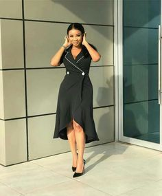 There are of cause so many different ways to style your pencil skirt, to find out how you can create a great look with your pencil skirt, take a look at the selections below. Corporate Wear, Corporate Style, Hijab Style Dress, Short Dresses, Formal Dresses, Office Dresses, Tuxedo Dress, African Dress, Work Fashion