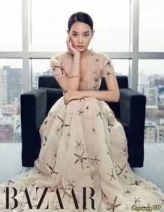 Arang and the Magistrate actress Shin Min Ah became a Manhattan socialite for the February issue of Harper's Bazaar. Korean Beauty, Asian Beauty, Korean Actresses, Korean Actors, Korean Celebrities, Harpers Bazaar, K Idols, Kpop Girls, Asian Woman