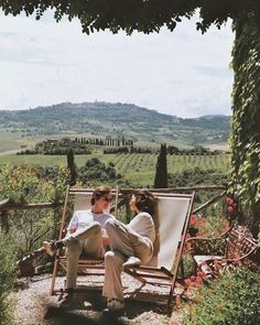 Photo shared by c'est la danse de la vie ☼ on March 2020 tagging Image may contain: one or more people, people sitting, mountain, outdoor and nature via Summer Aesthetic, Travel Aesthetic, Aesthetic Green, Aesthetic Vintage, Aesthetic Fashion, Couple Travel, Northern Italy, Photo Instagram, Instagram Travel