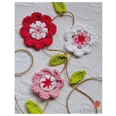 The Cotton & Twine Flower Garland is a simple decoration that can be easily customised to suit your needs and space. The flowers and leaves can slide along the jute twine to a spacing that you prefer and it is up to you how long or short you choose to make it! I hope you have fun :)