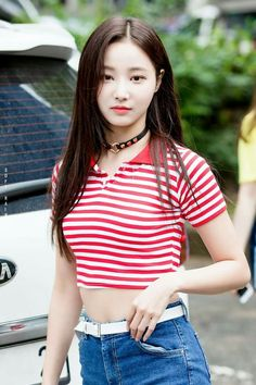 dedicated to female kpop idols. Beautiful Asian Women, Young And Beautiful, Kpop Outfits, Cute Outfits, Korean Celebrities, Celebs, Korean Actresses, Daily Fashion, Asian Woman