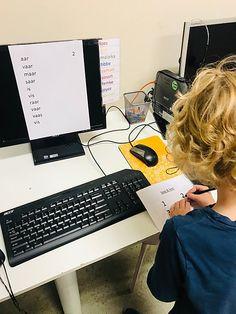 Loop & lees Monitor, Spelling