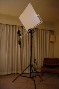 diy photography reflector by Chun Wu, via Flickr