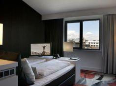 Hotel Mill - Uitzicht kamer http://www.fitland.nl/fitland-hotel-dormylle-mill/ #overnachten #hotel #vliegtuig #Mill