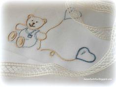 Disegno di orsetti e cappe por lenzuolino da por Lavandaelilla