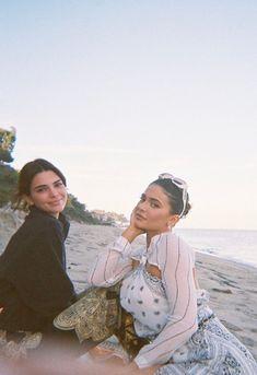 Kendall Y Kylie Jenner, Looks Kylie Jenner, Kendall Jenner Outfits, Kendall Jenner Style, Kylie Jenner Beach, Kylie Jenner Friends, Kylie Jenner Instagram, Kendalll Jenner, Kardashian Jenner