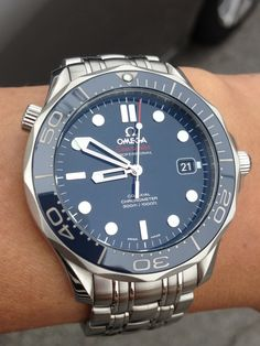 Initial impression on the new Omega SMP ceramic blue bond (212.30.41.20.03.001)