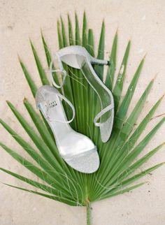 This bridal portrait inspiration session in Jamaica celebrates summer in all the best ways. Jamaica Wedding, Seaside Wedding, Wedding Sets, Destination Wedding, Hibiscus Bouquet, Palm Fronds, Portrait Inspiration, Bridal Portraits, Beautiful Beaches