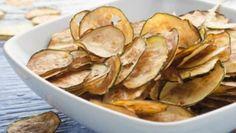 Super chutný zelný salát s mrkví jako z restaurace – RECETIMA Parmesan Chips, Zucchini Parmesan, Diabetic Recipes, Snack Recipes, Healthy Recipes, Snacks, Healthy Life, Healthy Living, Czech Recipes