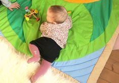 Le Vrai-Faux de la motricité libre · How I Play with my mome Little Babies, Little Ones, Baby Boys, Montessori Room, Diy Bebe, Workshop, Co Parenting, Doula, Vrai Faux