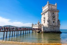 #Portugal is still one of the best kept secrets in Europe - via Food N' Wine Vacations 24-02-2017   Portugal points of interest are abundant:  From the landscape of the Douro valley to the beaches of Algarve, from cities like Lisbon and Porto to the countryside of Alentejo.