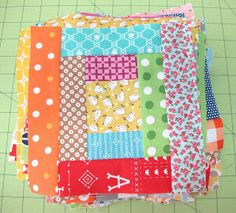 Bee In My Bonnet: Quilty Fun Sew Along - Week 3 - Courthouse Steps!!!...