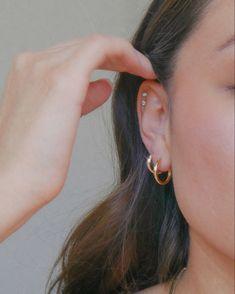 Minimal Jewelry, Trendy Jewelry, Gold Jewelry, Pearl Earrings, Hoop Earrings, Gold Hoops, Sensitive Skin, Jewelry Making, Sterling Silver