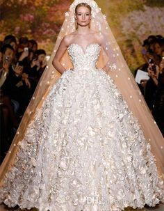 Ellie Saab #Wedding Dresses# Applique White Sweetheart Sleeveless Ball Gown Beach Wedding Dresses Floor Length Tiered New Bridal Gowns Vintage Dresses Vintage Wedding Dresses From Newdeve, $266.35| Dhgate.Com