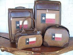 Texas Flag 4 Piece Texas Luggage Set - I want this set!!!
