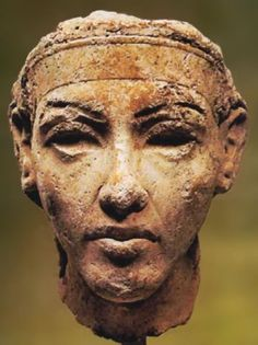 Smenkhkare was a short-lived Pharaoh who ruled late in Dyn 18, (1335-1334 BCE). His reign was during the Amarna Period, a time when Akhenaten sought to impose new religious views