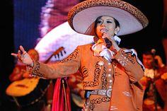 Leticia Lopez con Pepe Aguilar en Concierto, Toluca, Mexico   14 de Marzo 2014   Festival Del Centro Historico   Fotos por: Jesús Aguilar - jesusmariano@gmail.com