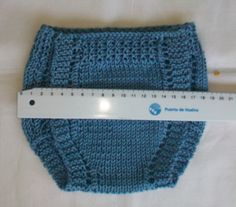 POLOLO DE HILO AZUL PRIMERA POSTURA ENLACE PARA TEJER LOS ZAPATITOS Material Hilo azul 100% algodón para agujas nº 3 - 3,5... Knitting For Kids, Knitting For Beginners, Crochet For Kids, Crochet Baby, Knit Crochet, Knitted Baby Clothes, Knitted Hats, Knitted Dolls, Afghan Crochet Patterns