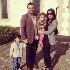 Paul with his family <<<< Clodagh is so pretty! And the kids are adorable(: