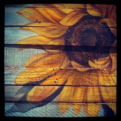 Sunflower on reclaimed wood painting idea - Pallet Nerds Pallet Painting, Tole Painting, Painting On Wood, Painting & Drawing, Painting Flowers, Pallet Crafts, Wood Crafts, Diy Wood, Diy Crafts