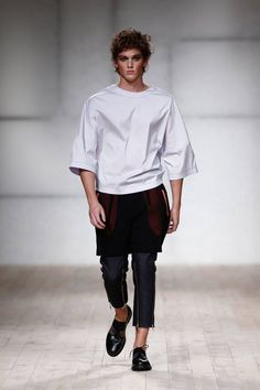Male Fashion Trends: Dino Alves Spring-Summer 2017 - Moda Lisboa