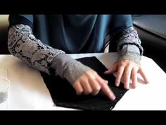 How to sew a niqab (Sewing Tutorial) - YouTube Sewing Hacks, Sewing Tutorials, Sewing Projects, Sewing Patterns, Sewing Tips, Sewing Ideas, Diy Clothes Tutorial, Diy Tutorial, Niqab Fashion