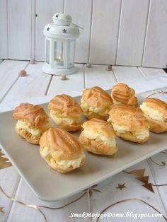 Eklerki z kremem budyniowym do karpatki Polish Recipes, Eclairs, Dessert Recipes, Desserts, Biscuits, Muffin, Tasty, Sweets, Snacks