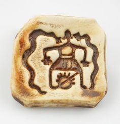Porcelain stoneware pendant, keyring charm or fridge magnet from Virginia Vivier - www.Etsy.com/shop/EspritMystique