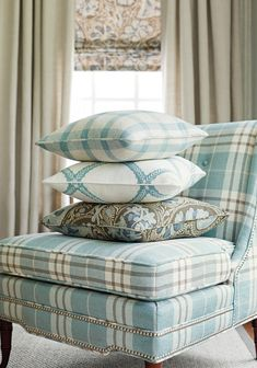 How Plaid or Stripes need to align on Barstools (lower section of chair) House of Turquoise: Trade Routes Collection from Thibaut again with the beautiful chair. Thibaut Percival Plaid in Aqua, love it! House Of Turquoise, Tartan Wallpaper, Gold Wallpaper, Striped Wallpaper, Plaid Chair, H & M Home, Living Room Sofa, Soft Furnishings, Slipcovers