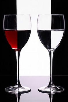 """""""Una barrica de vino puede realizar más milagros que una iglesia llena de santos"""". Proverbio italiano"""