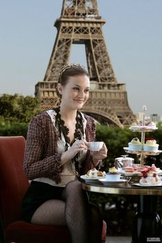 Paris + tea & macarons = perfection!