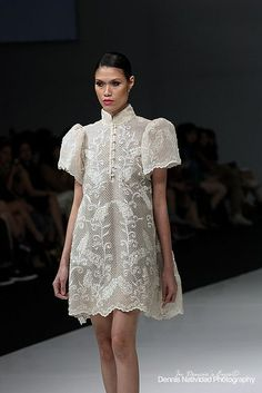 """In the Philippines men wear a traditional clothing piece called a """"barong"""" which is worn at special occasions. Here it's incorporated in women's fashion breaking that gender barrier. Modern Filipiniana Dress, Filipiniana Wedding, Philippines Dress, Philippines Fashion, Barong Tagalog For Women, Barong Tagalog Wedding, Filipino Wedding, Filipino Fashion, Grad Dresses"""