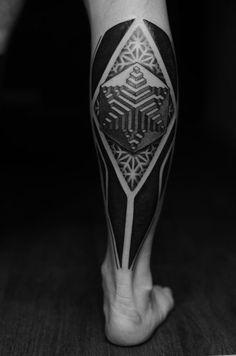 3D Abstract Geometry Blackwork tattoo on Leg
