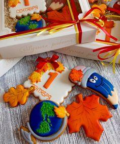 Cute Cookies, Cupcake Cookies, Sugar Cookies, Cupcakes, Fall Cakes, Royal Icing Cookies, Cookie Designs, Cookie Decorating, Gingerbread Cookies