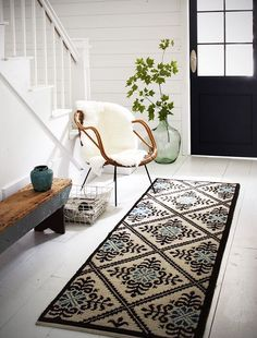 What a lovely entryway!